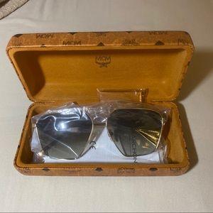 MCM 60mm Aviator Sunglasses Shiny Gold / Khaki